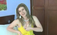 Big tit amateur teen does a striptease