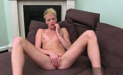 Hot girlfriend pussy penetration