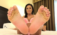 Hot Babe Has Her Feet Rubbed and Worshipped