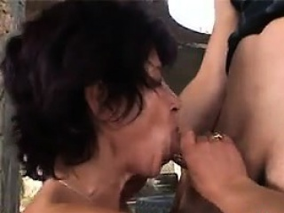 Granny Gets Fucked And A Facial Outside