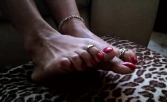 Mature Latina Shows Her Feet And Toes