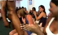CFNM guy sucked by amateur party babes