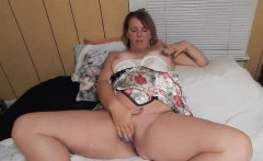 Chubby MILF playing with her pussy