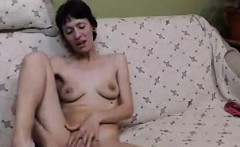Skinny Webcam Whore Masturbates