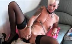 Skinny blonde penetrate both hole on webcam