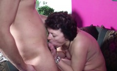 son caught step mom maturbate and get his first fuck by her
