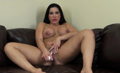 big tit hottie brianna jordan poses and finger fucks on live cam