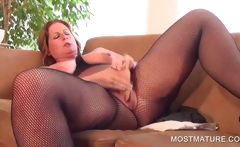 Chesty mature dildoing horny cunt
