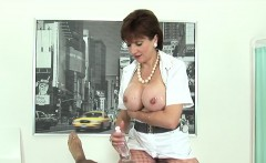 Cheating british mature lady sonia shows off her massive tit