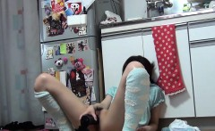 Teen asian shoves dildo