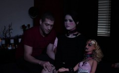 Goth doll gets oral sex