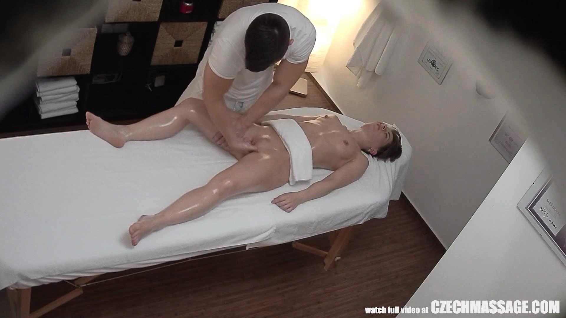 porno-massazh-kazaksha
