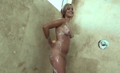showering girlfriend anally pounded by bf