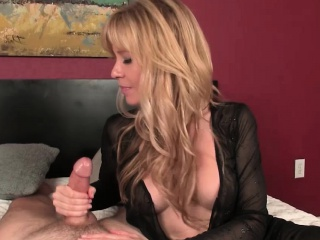 Girl's first lesson on how to suck a cock