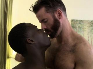 Sexy Brendan Patrick takes hot stud Drake Magnums huge cock