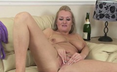 Jade Has A Good Time with Her Love Hole