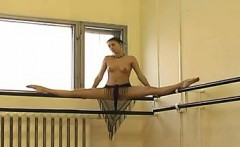 Russian Ballet Dancer Flashes Her Pussy