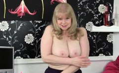 British milf Raven tweaks her tights for easy access
