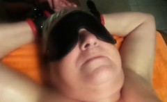 Blindfolded mature plumper has a sex toy pleasing her achin
