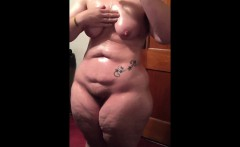 Natural Housewife oiling her naked Curvacious