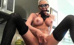 Perfect Milf Masturbates To Squirting Orgasm On Webcam