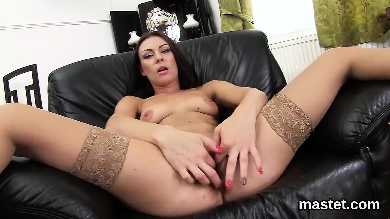 Sexy czech nympho gapes her narrow pussy to the unusual