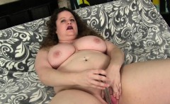 Plumper Uses Sex Toys on Her Juicy Cunt