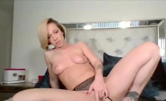 Buttplugged babe fingers