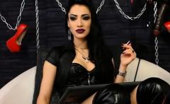 Balloon Fetish Brunette Dildos Her Pussy On Webcam