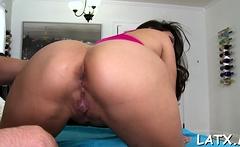 Voracious brunette sweetie Jessica Bangkok feels pole in her