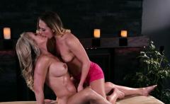 Mature massage babe pussylicked by sappho
